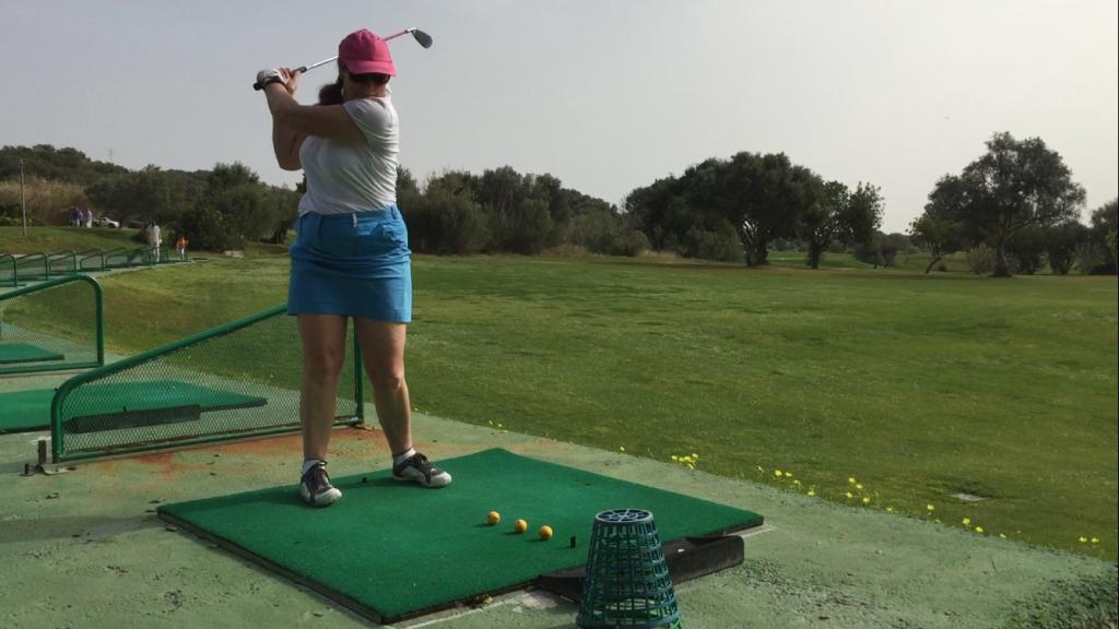 Golf Training: Erarbeiten von Fähigkeiten - mehrere Bälle schlagen